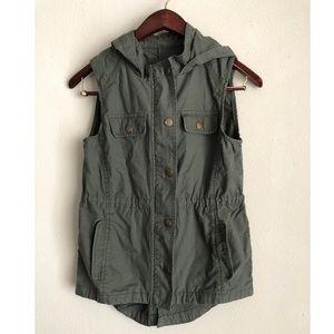 GAP Hooded Utility Vest 🍁